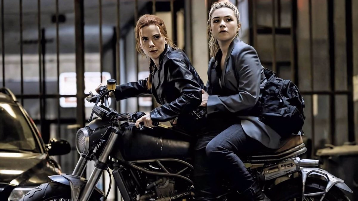 Imagen de Scarlett Johansson y Florence Pugh en Viuda Negra